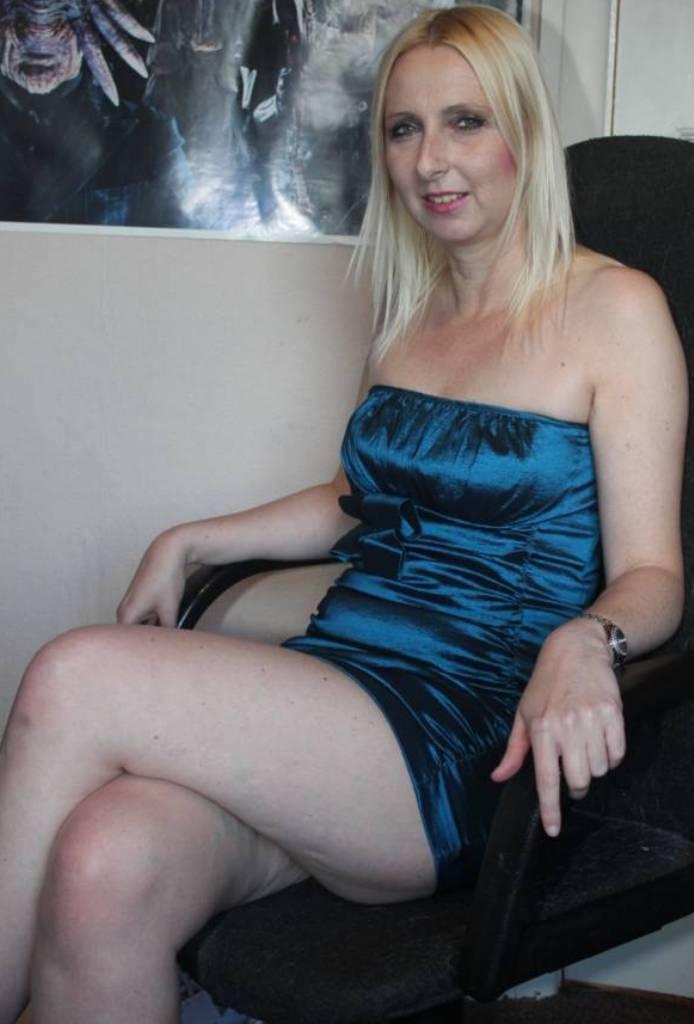 Sexcam, Muttisanzeigen – Clara ist dabei.