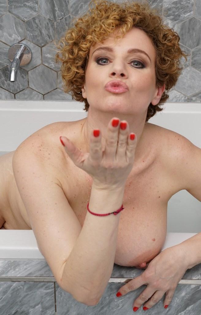 Hausfrauenkontakte, Mamasinserate – Sarah liebt es.