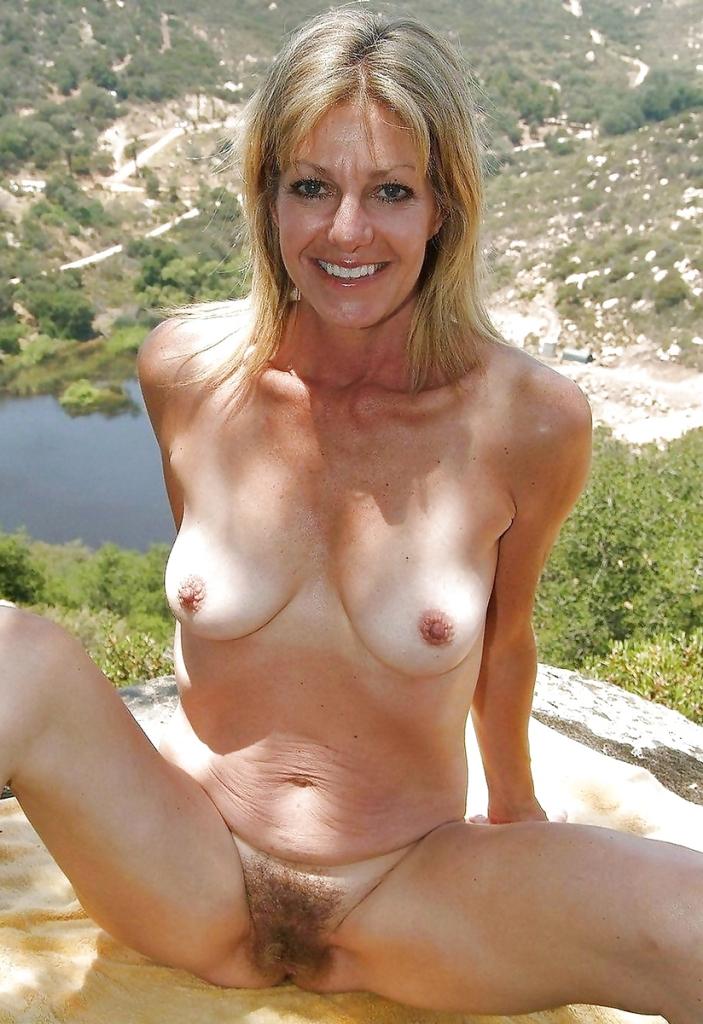Sexcasting, Grannyinserate – Annette hat Lust darauf.