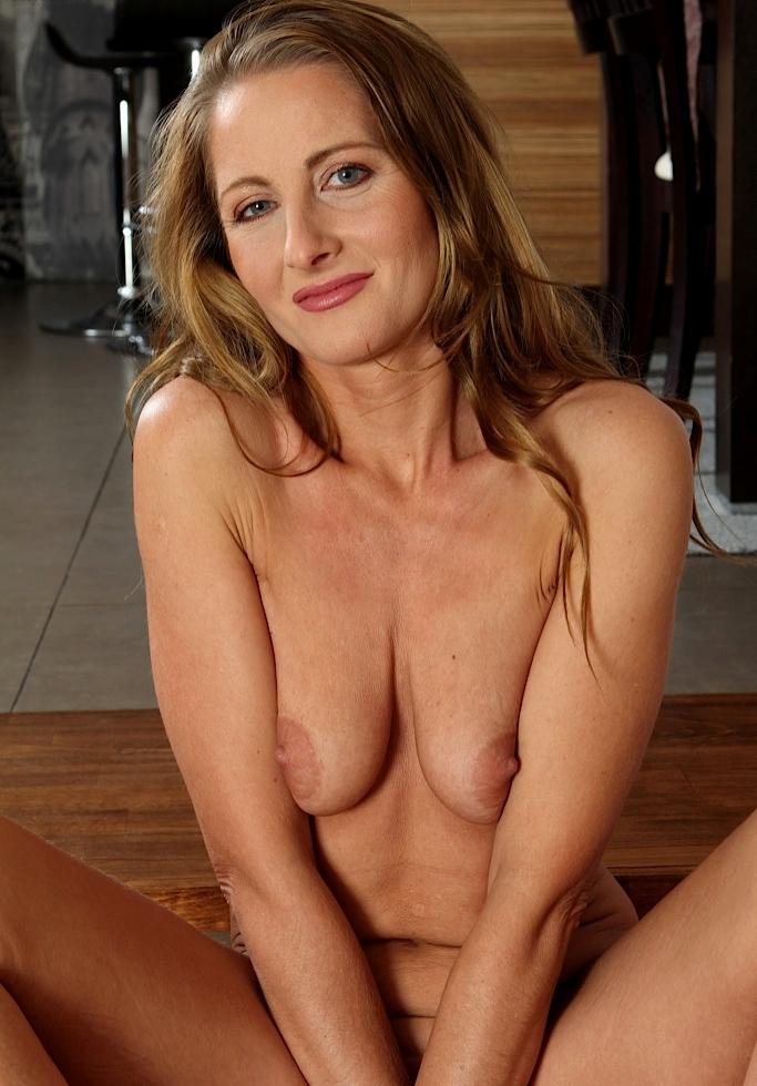 Fickvideos, Rubensfrauenanzeigen – Stefanie möchte das testen.