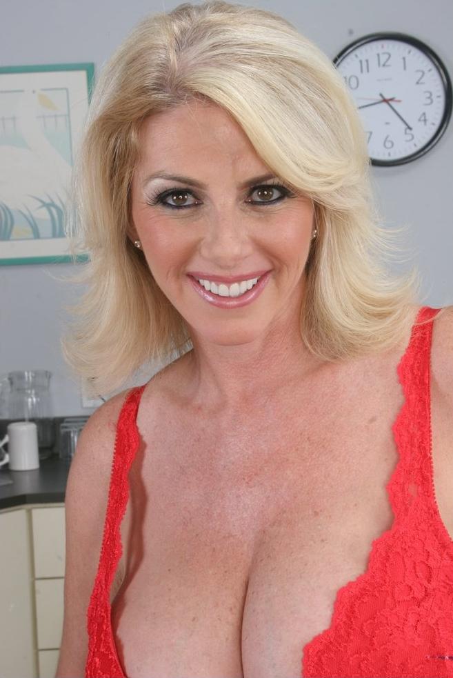 Sexcasting, Ehefrauannoncen – Diana hat Interesse.