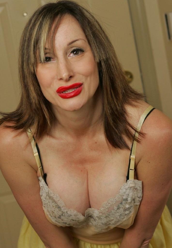 Bumsluder Gabriela zum Sexthema Rubensfrauen abschleppen wie auch Mamas bumsen kontaktieren.