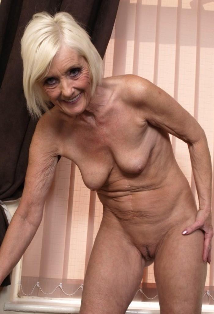 XXX Cougars, Gepiercte Mama – Marleen ist dabei.