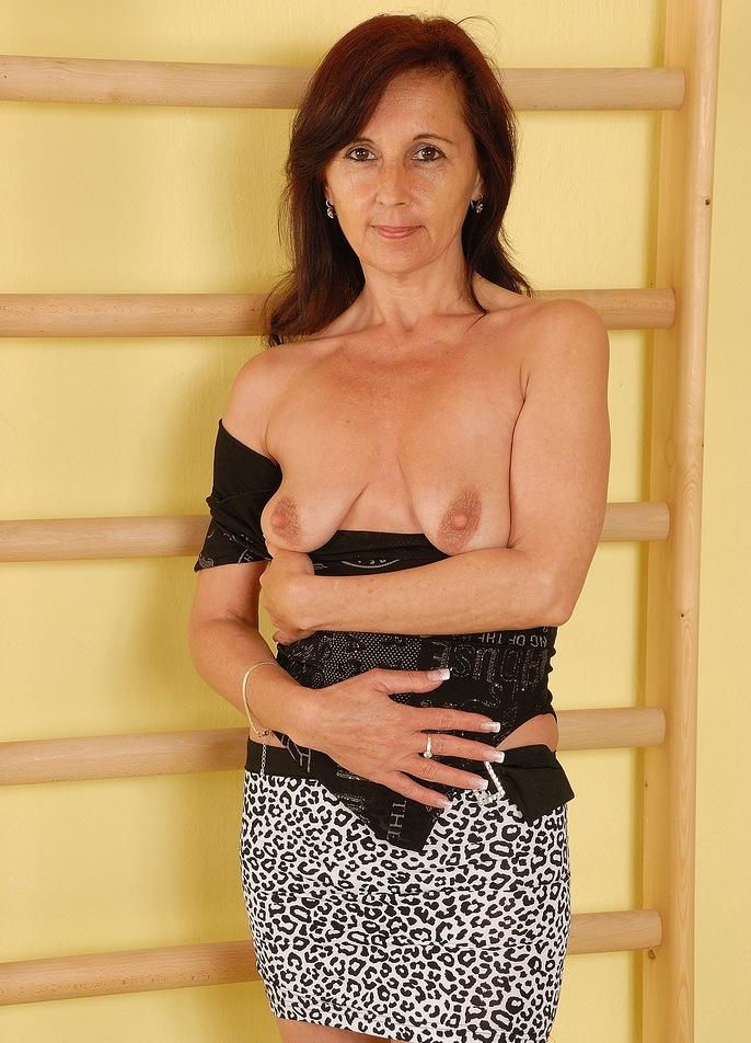 Ficksau Christine zum Sexthema Hausfrau Kontakte oder auch Luder poppen um Rat fragen.