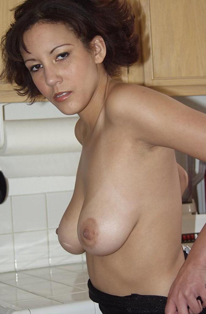 Zum Thema Aufgeschlossene Hausfrau bzw. Gilfs abschleppen nimm Kontakt auf zu Irina.