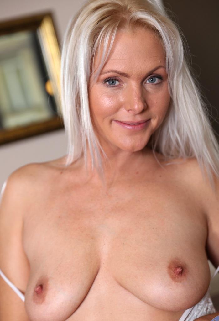 Reale Frau, Sexy Luder – Olivia will es.