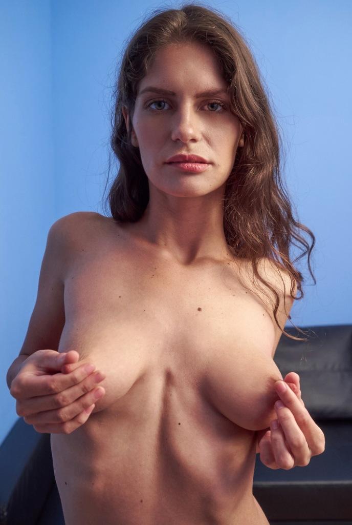 Milf Mandy zum Sexthema Ehefrau Dating oder Omas bumsen einfach fragen.