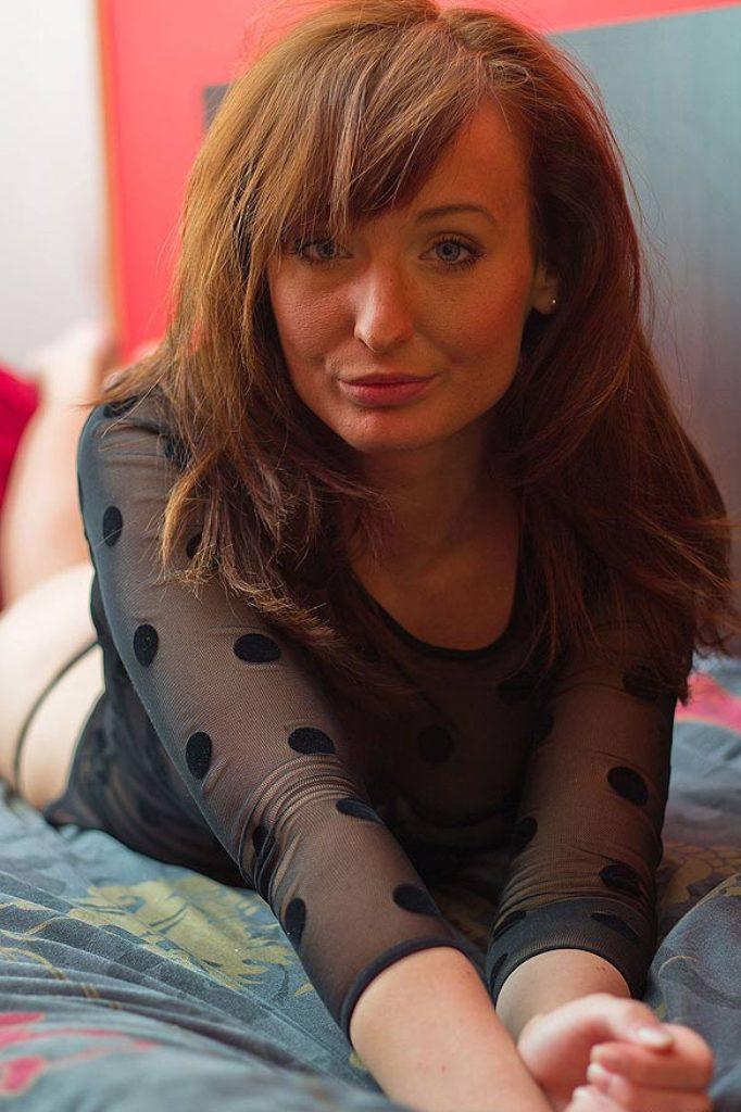 Sexpertin Annette bzgl. Omas Dating und auch Hausfrau kennenlernen um Rat fragen.