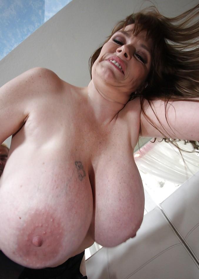 Sie sucht Sex Bielefeld, Erotik Treffen Bremen - Corinna liebt es.
