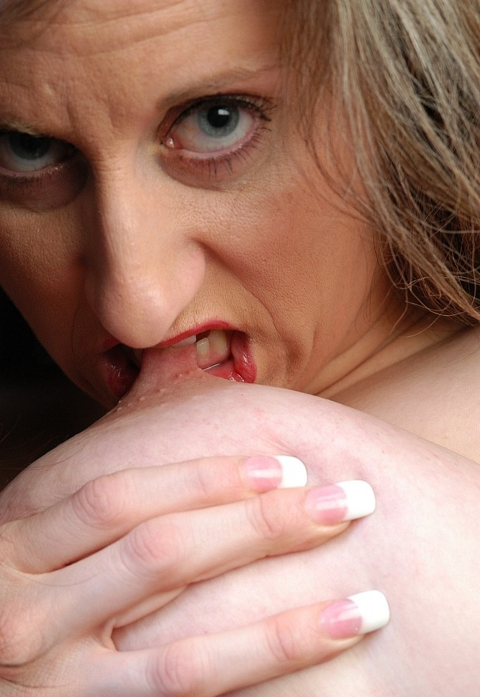 Wer hat Interesse daran zum Thema Sex Treffen Kiel mehr in Erfahrung zu bringen?