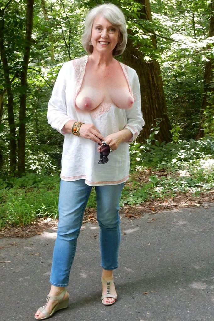 Reife Frau Bielefeld, Sex Dates Dortmund – Sabrina hat Lust darauf.