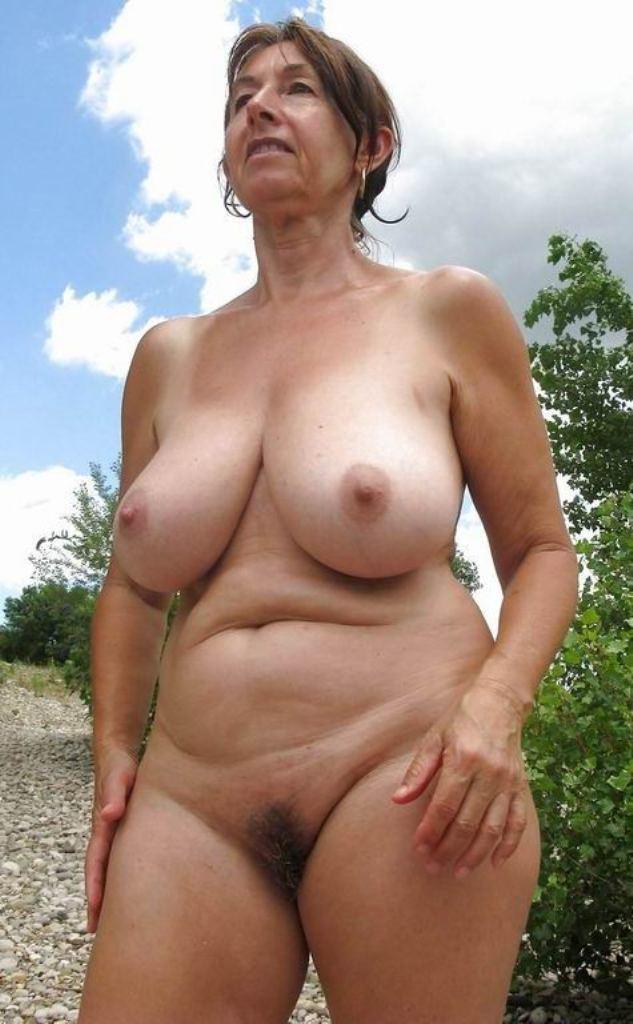 Reife Frau Bielefeld, Sex Kontakt Bochum – Gabriele hat Bock dazu.
