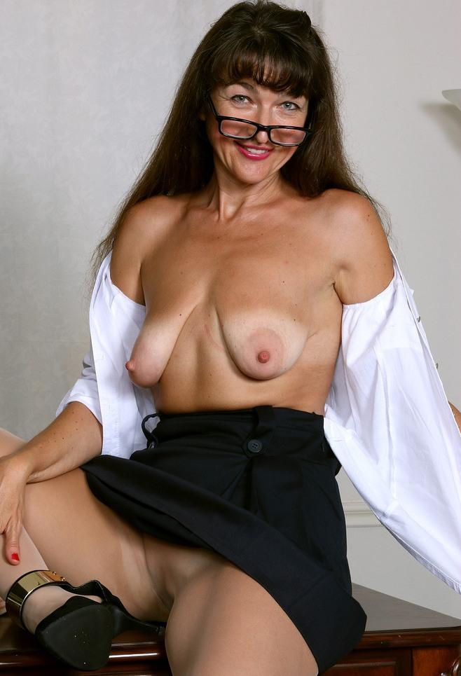 Bezüglich MILF Rostock wie auch Sex Kontakten Stuttgart – die Richtige dafür ist Antonia.