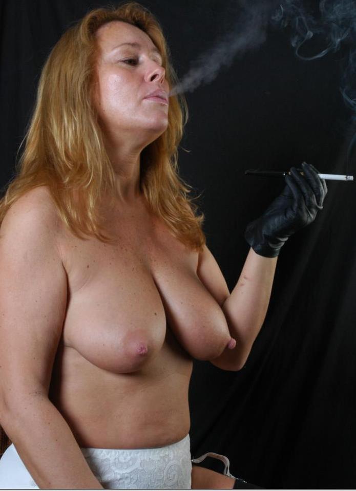 Bezüglich Erotikdate Ruhrgebiet oder Privater Sexkontakt Schwaben - die Expertin dafür heißt Eleonora.