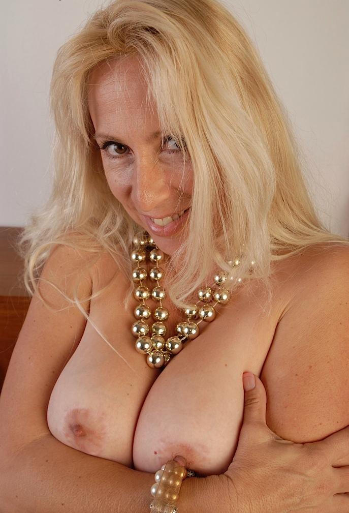 Erotische Kontakte Luzern, Sextreffen München - Olivia möchte das testen.