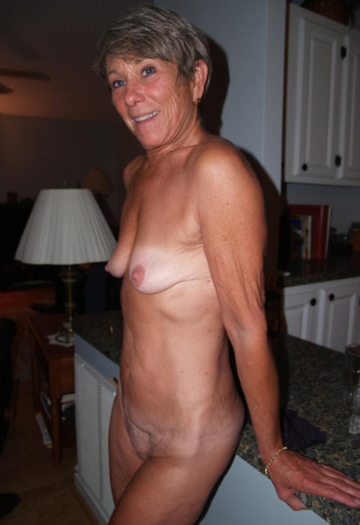 Hausfrau Irina hinsichtlich MILFs Hamburg aber auch Sex Date Innsbruck um Rat fragen.