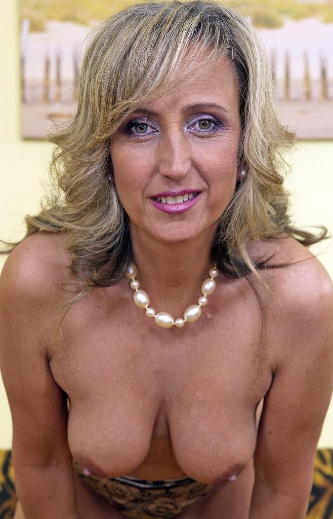 In Sachen Erotische Treffen Saarbrücken aber auch Sextreffen Schwaben weiß die Antwort unsere Jacqueline.